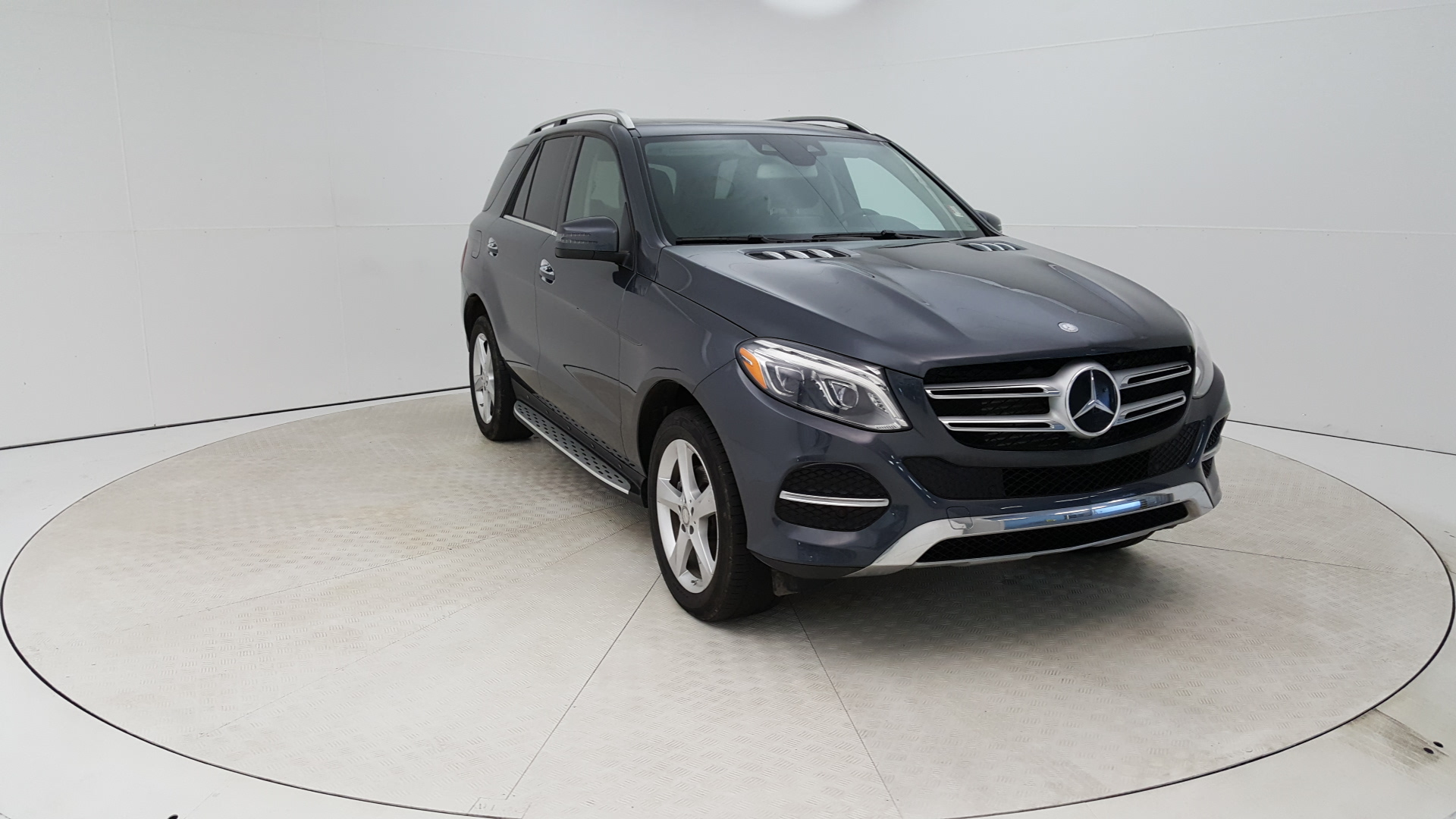Pre-Owned 2016 Mercedes-Benz GLE 300d GLE 300d