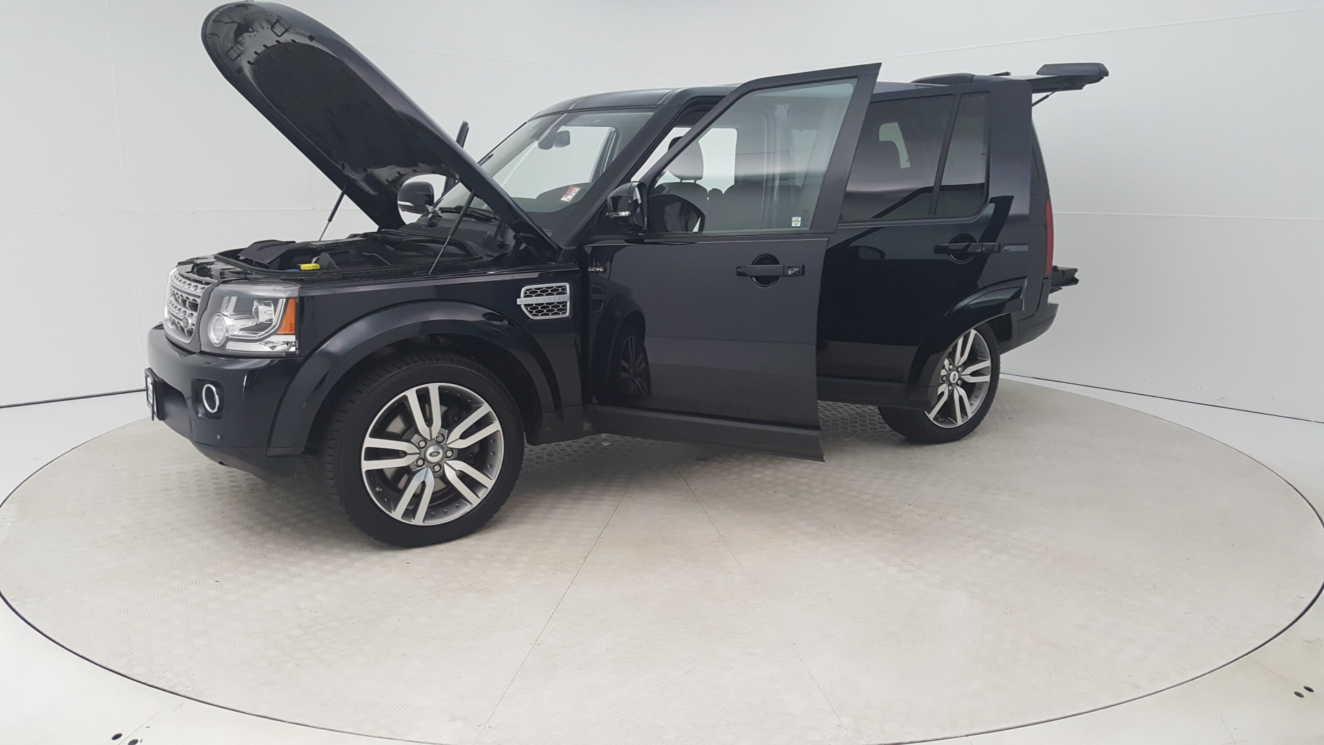 Pre Owned 2014 Land Rover LR4 4WD 4dr LUX Sport Utility in Baltimore